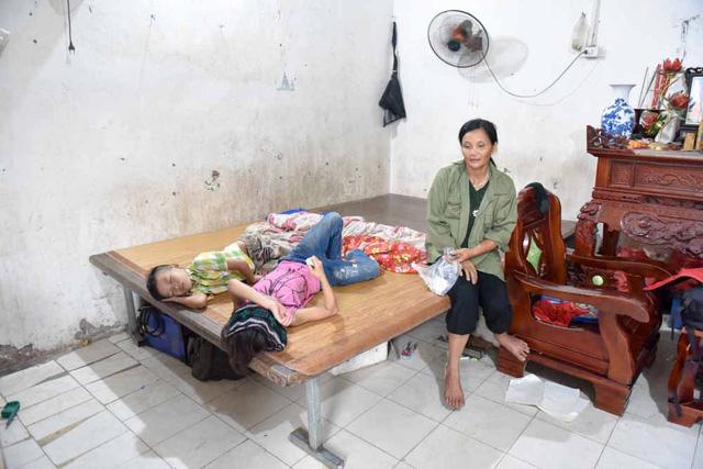 gia đình nghèo, hoàn cảnh gia đình, gia đình nghèo khó