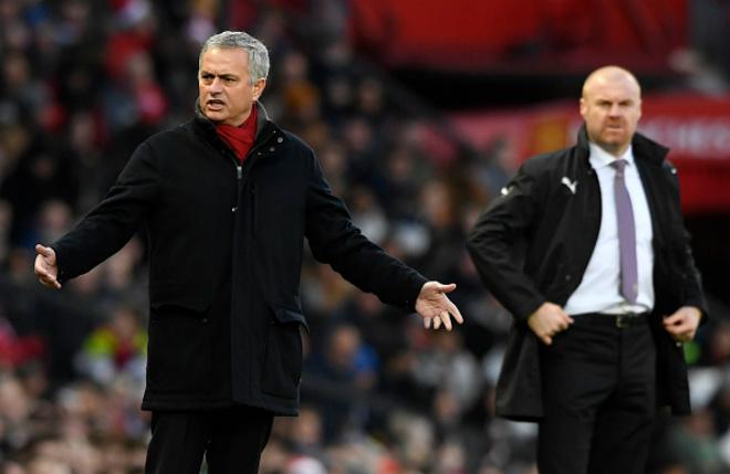 Mặc dù đang chơi tệ nhưng Mourinho vẫn được ủng hộ