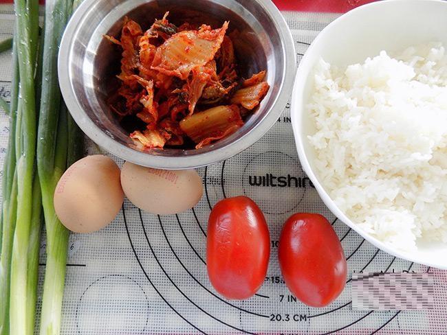 cơm chiêntrộn kim chi cực ngon cho bữa sáng