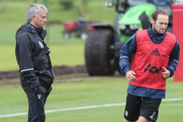 Man United đã chi tiền đẩy Daley Blind đi