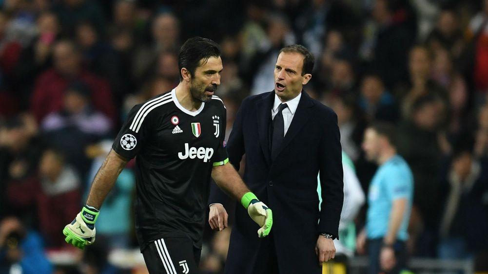 Buffon vẫn bị UEFA phạt