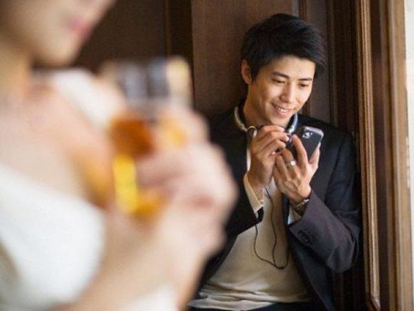 Tâm sự đắng cay của vợ có chồng ngoại tình trên mạng