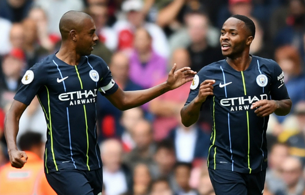 HLV-Pep-Guardiola-muon-Raheem-Sterling-som-gia-han-hop-dong-voi-Man-City