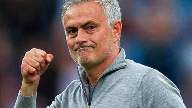 Mourinho đương đầu với khó khăn
