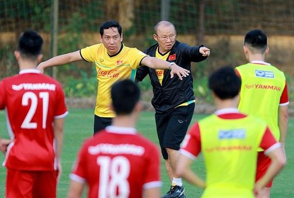 TIN BÓNG ĐÁ VIỆT NAM ngày 30/10: Tuyển VN chưa thích ứng được lối chơi Hàn Quốc