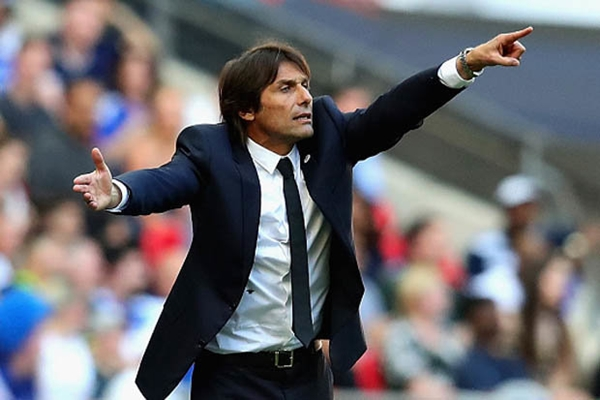 "HLV Antonio Conte muốn ngồi vào ""ghế nóng"" của M.U"