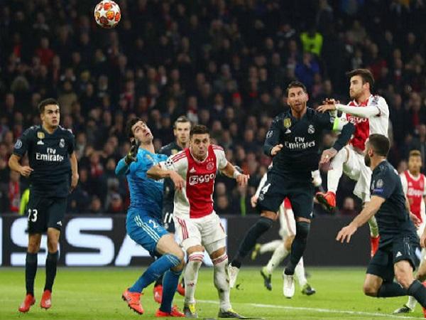 Real 2 lần được trọng tài chính Damir Skomina ưu ái thắng Ajax