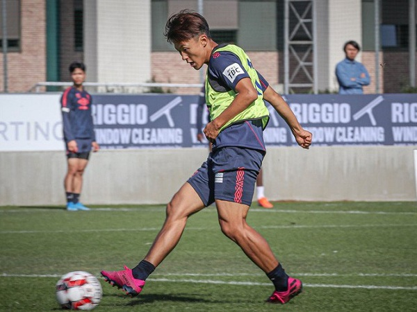 """""""Messi Hàn Quốc"""" chịu cảnh chớ trêu hơn Công Phượng nhiều ở Sint-Truidense"""