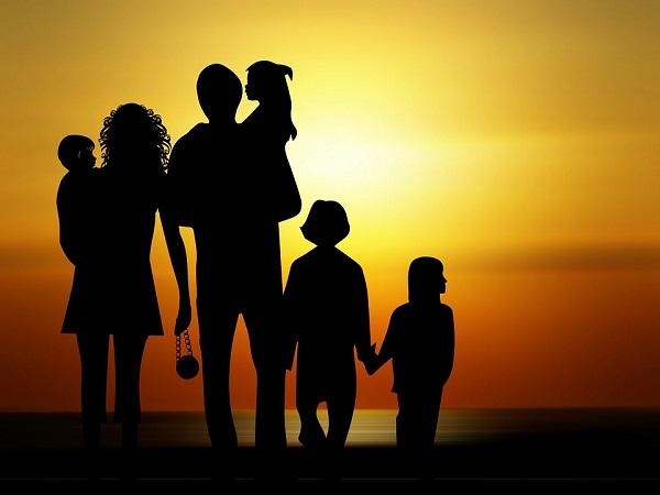 Mơ thấy bố mẹ đánh đề con gì, có ý nghĩa gì điều tốt hay xấu?
