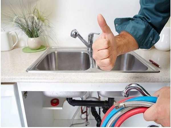 Tắc chậu rửa bát xảy ra khá thường xuyên.