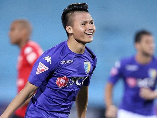 Bóng đá Việt Nam tối 16/6: Quang Hải lỡ trận đối đầu SLNA vì chấn thương