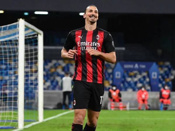 tin-bong-da-the-gioi-24-11-ac-milan-nhan-tin-du-tu-ibrahimovic